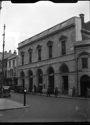 037 5513 